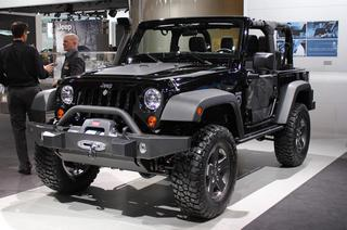 Детройт 2011: Jeep Wrangler Call of Duty: Black Ops Edition